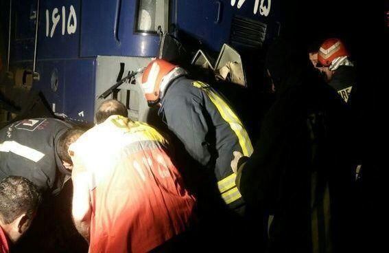 خبرنگاران برخورد قطار با موتورسیکلت در شاهرود 2 کشته بر جا گذاشت