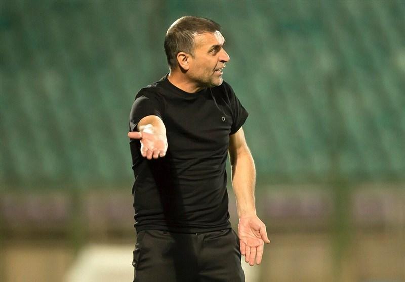 بوشهر، ویسی: کل تیم مان بد بازی می نماید و باید مشکل را ریشه یابی کنیم، چه من باشم و چه نباشم شاهین صد درصد در لیگ برتر می ماند