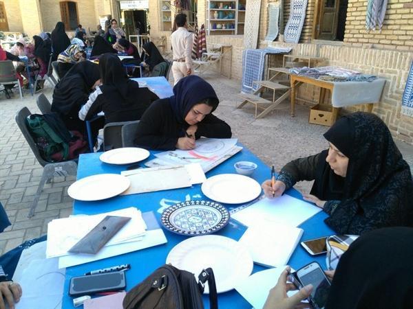 برگزاری اولین کارگاه آموزش نقاشی روی سفال در میبد