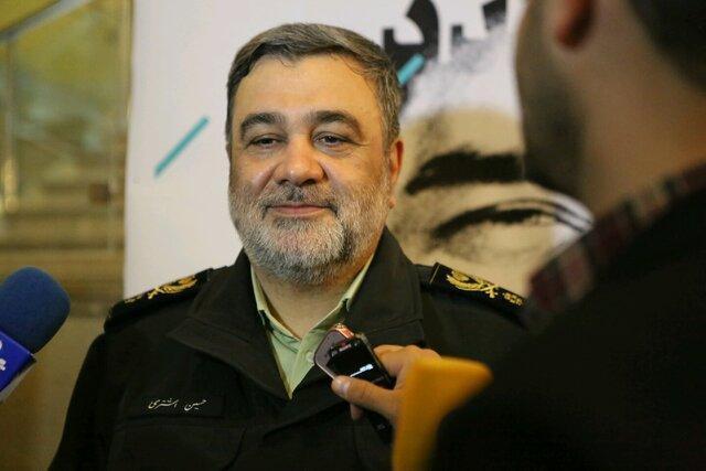 فرمانده نیروی انتظامی در ایلام: 50 درصد عبور و مرور زائران اربعین از مرز مهران انجام می گردد