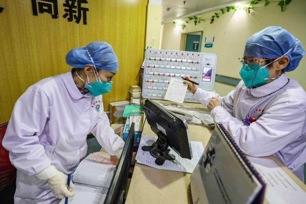 خبرنگاران چین آزمایش های کلینیکی را به دلیل نبود بیمار لغو کرد
