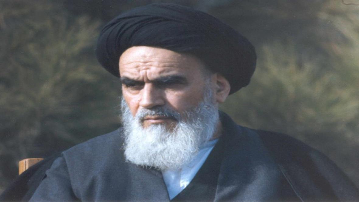 تفاوت انسان های الهی و مادی از منظر امام خمینی (ره)