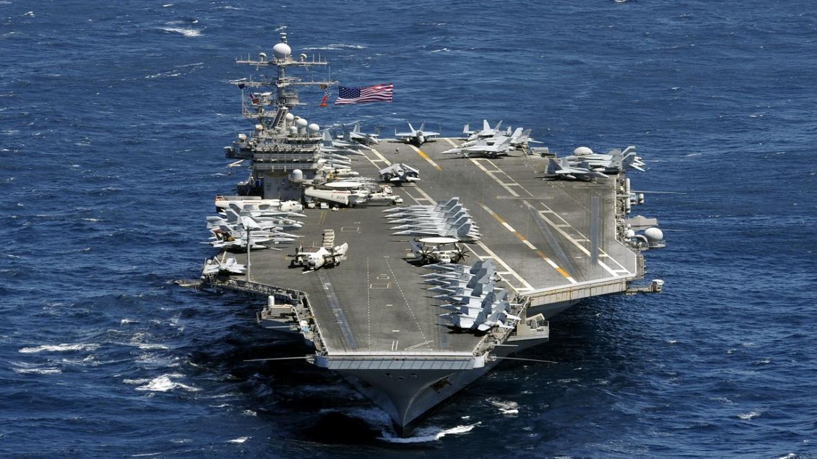 آمریکا 2 ناو هواپیما بر به دریای جنوبی چین اعزام کرد