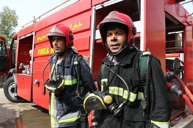 15 عملیات امدادگران آتش نشانی اهواز در پی بارش باران