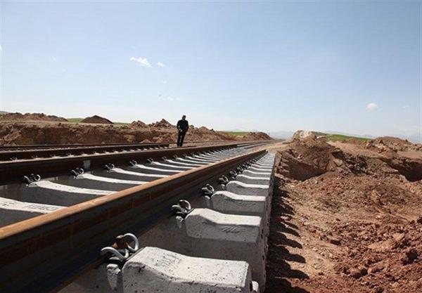 خبرنگاران استاندار: ریل گذاری راه آهن اردبیل نظارت می گردد