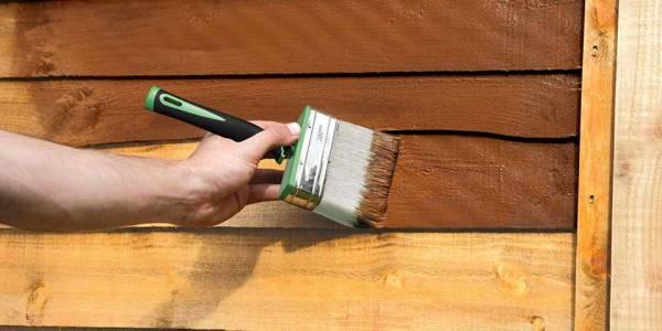 وسایل چوبی منزلتان را خودتان رنگ کنید