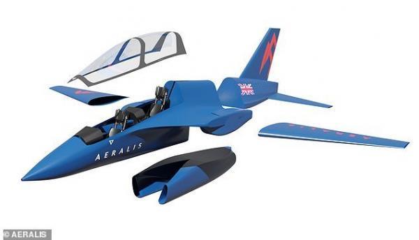 سه هواپیما در یک بدنه