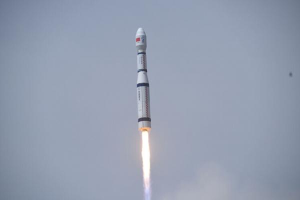 چین با یک موشک 9 ماهواره را به فضا فرستاد