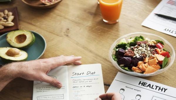 10 برنامه غذایی هفتگی خوشمزه و مقوی برای خانه و محل کار