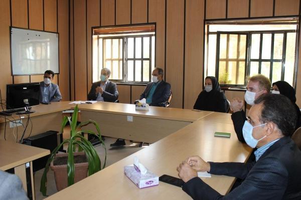 سم پاشی تصفیه خانه فاضلاب استان یزد به طور منظم انجام می گردد