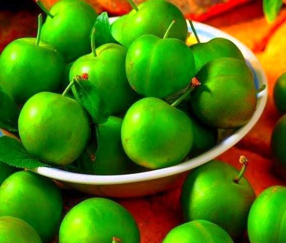 به این دلایل مهم گوجه سبز نخورید!